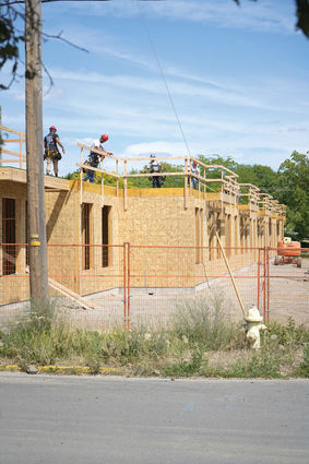 Parkside Commons goes up - Cheney Free Press